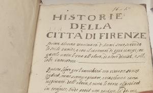 """Una de las primeras páginas de la recopilación """"Historie de la Cittá di Firenze""""."""