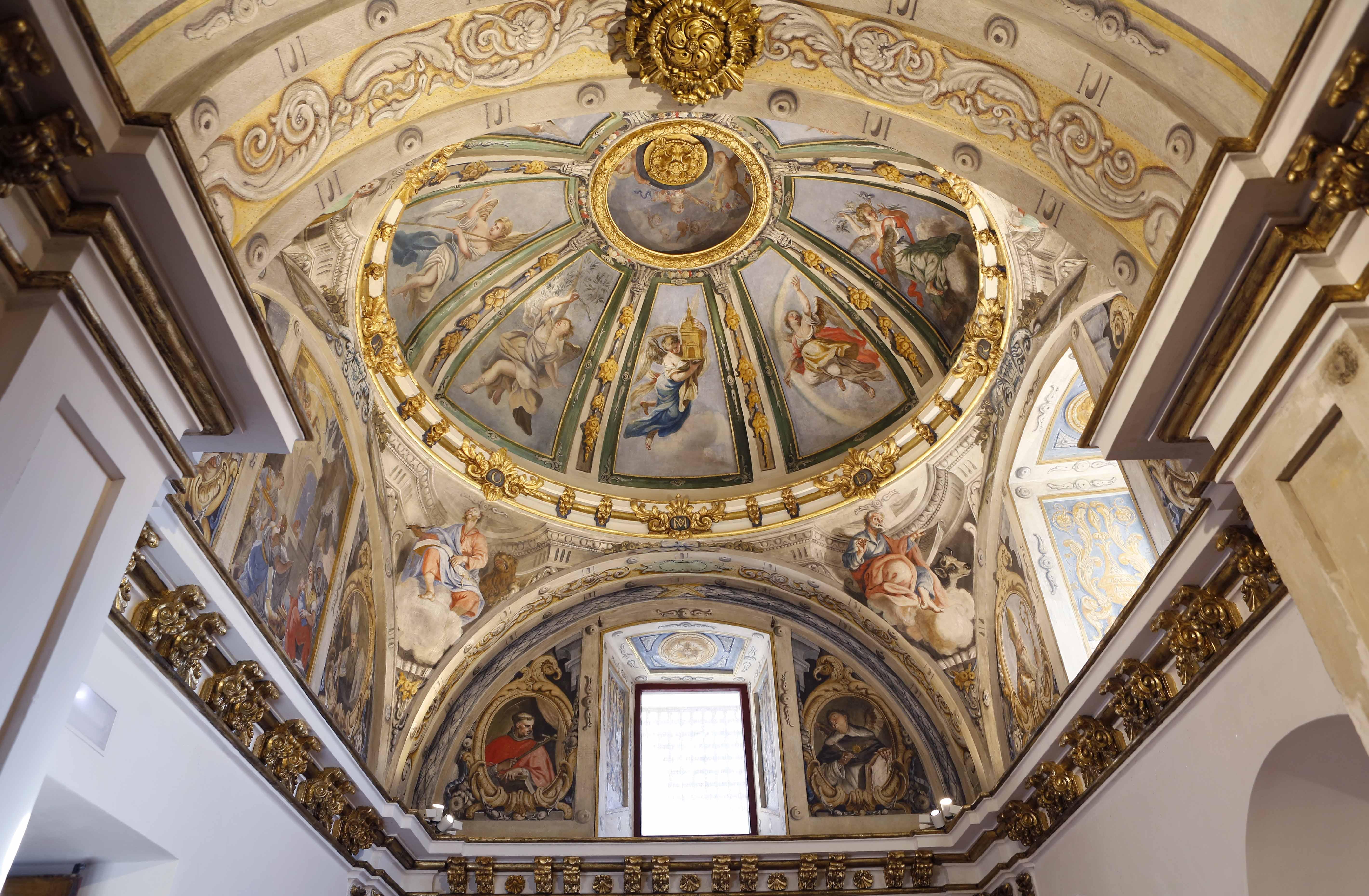 Pinturas murales del camarín barroco de la iglesia de San Pedro Ad Víncula de Villa de Vallecas (Madrid).