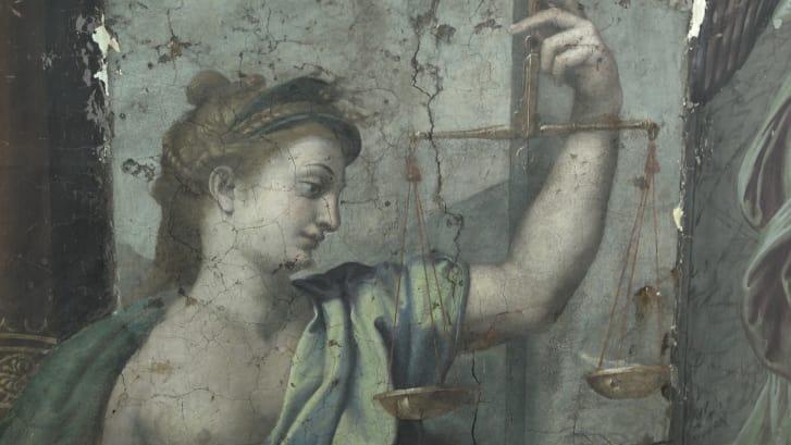 """Detalle de """"Justicia"""", una de las pinturas inéditas de Rafael descubiertas tras unas labores de restauración en los Museos Vaticanos."""