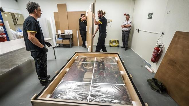 Proceso de embalaje de una de las obras de Sijena.