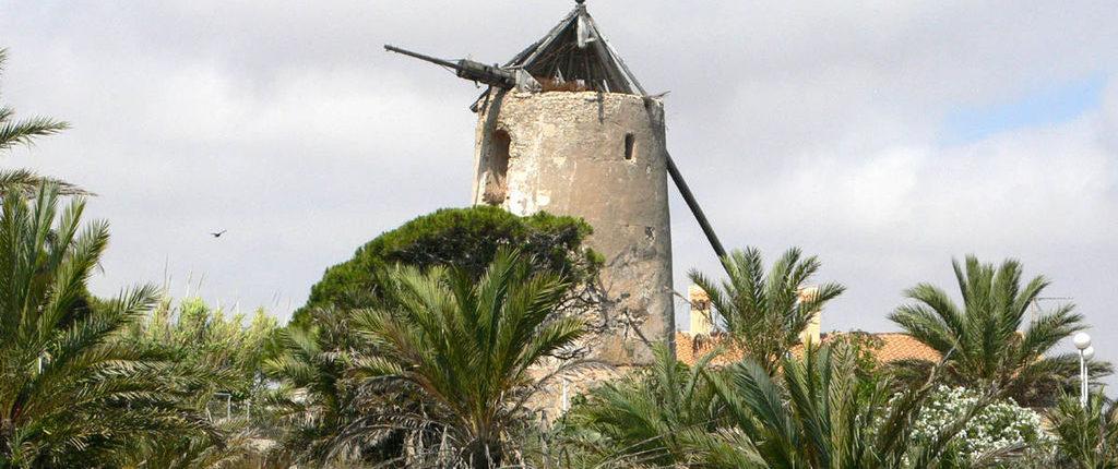 Molinos de viento del Campo de Cartagena (Murcia)